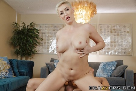 Ryan Keely - I'm Not a Regular Mom, I'm a Cool Mom (2019/Brazzers/SD/480p)