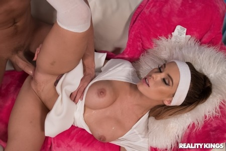 Megan Rain - Tennis Titties (2019/RealityKings/FullHD/1080p)